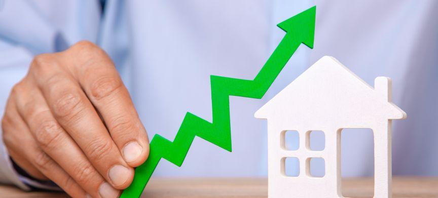 Huizen zijn in augustus dit jaar 8 procent duurder, dit maakt de grootste stijging in 1,5 jaar tijd.